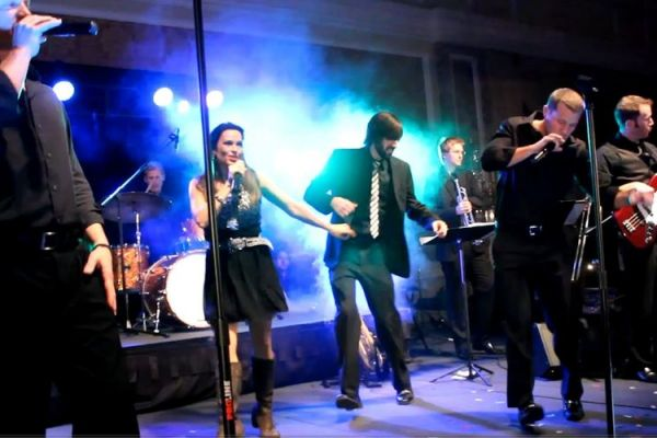 Party Bands Acts To Book Or Hire